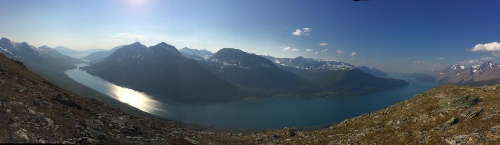 Panorama fra Lakselvnesåsen mot sør, sør-vest.